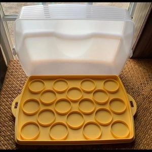 Tupperware Rectangle Cupcake / Cake Taker Carrier